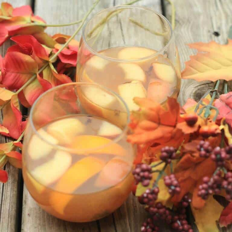 The Ultimate Fall Guide, Hot Mulled Apple Cider