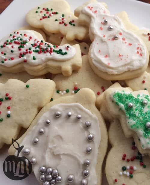 Looking for the perfect homemade gift this holiday season? Give these Holiday Cookies a try. Get the Recipes Now.