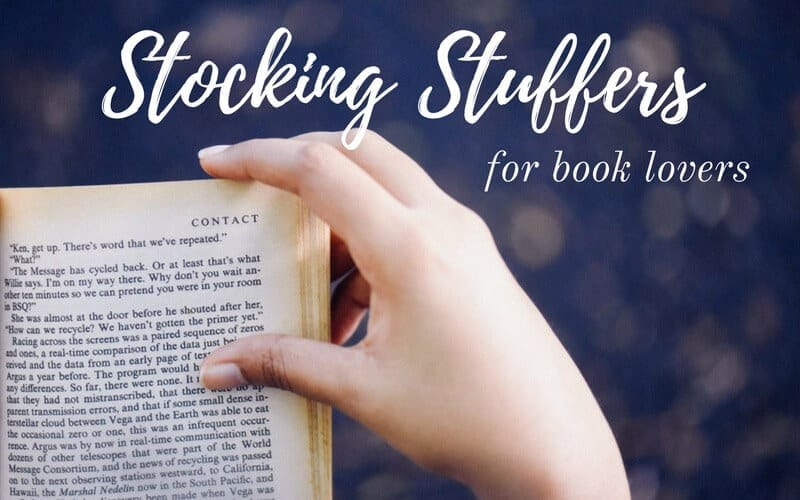 40+ Stocking Stuffers For Everyone On Your List: The Book Lover, The Cook, The Naturalista, The Organized and the Sweet Tooth. These unique stocking stuffer ideas are ideal for men and women!