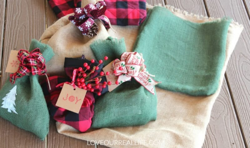 DIY Christmas Gifts Your Friends & Family Will Love